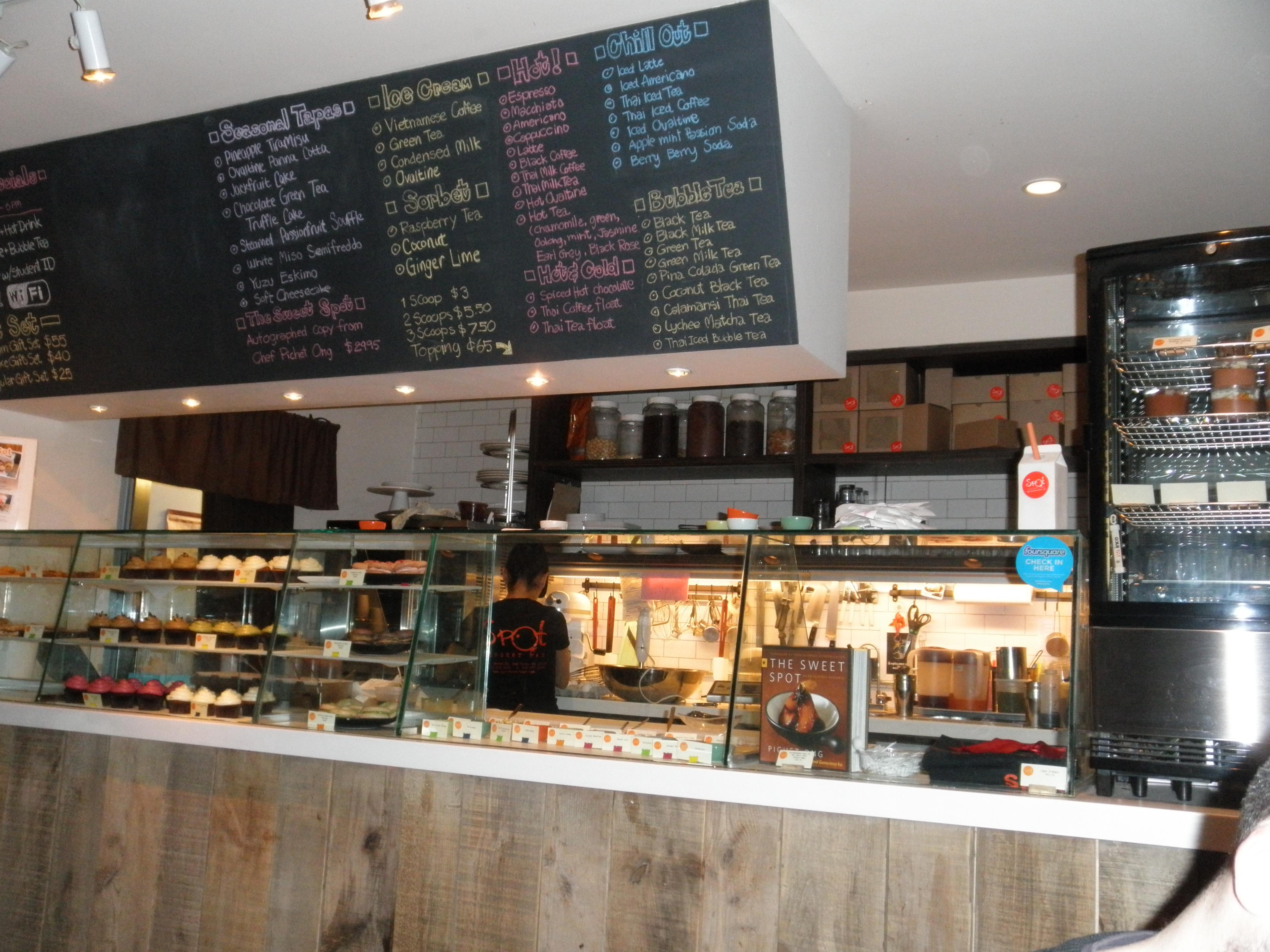 Spot dessert bar la vie franglaise - Desserte bar cuisine ...